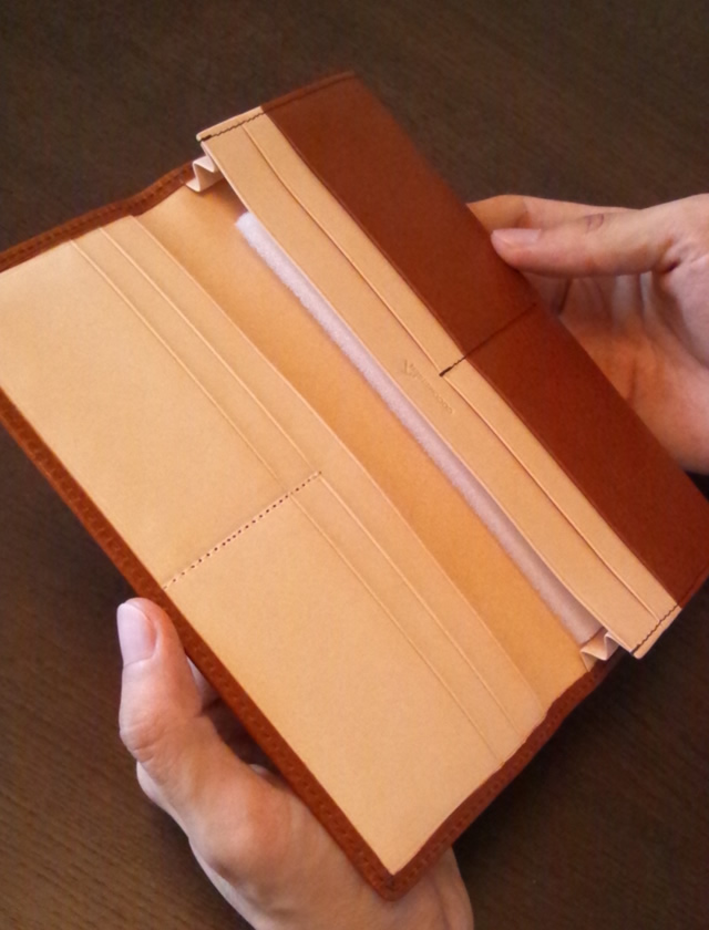 http://menz-wallets.shiawase-life.net/img/coco07.jpg